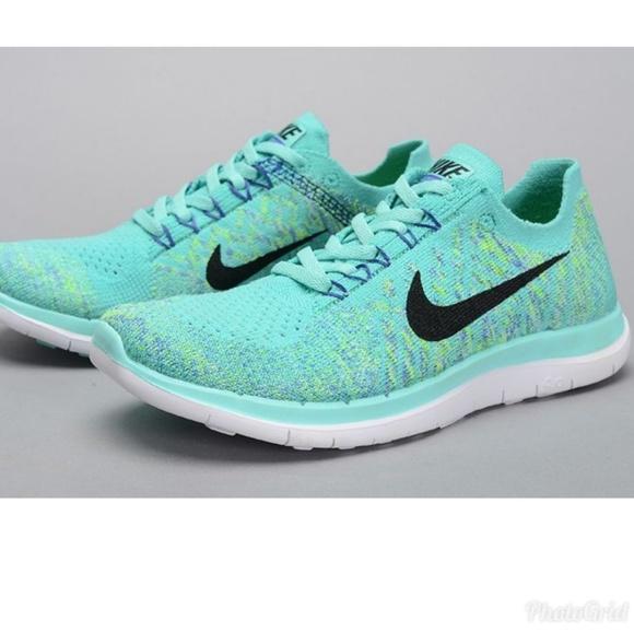 fce774eb62da Tiffany Blue Nike Flyknit sz 8. M 5b49bd552e1478e7951ec8b6